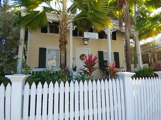 Eyebrow Suite-1 BR/1BA steps off Duval St. - Key West vacation rentals