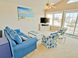 Sneak-Away-South Townhome With Community Pool & Beach Access - North Topsail Beach vacation rentals
