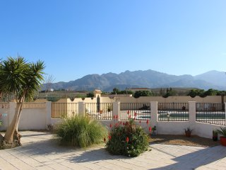 Villa Mariana, Private Pool, Tennis & Games Room - Turre vacation rentals