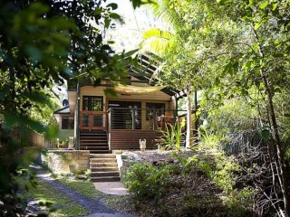 Contemporary Crystal Hide Away - Clontarf vacation rentals