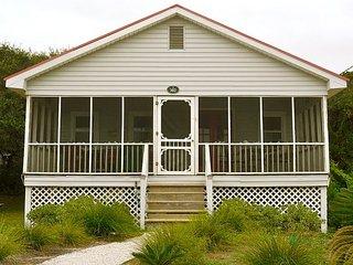 Bonnie Dune - Cozy Little Beach Cottage - Folly Beach vacation rentals