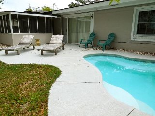 Cottage Off Center - Classic Beach Cottage with Modern Amenities - Folly Beach vacation rentals