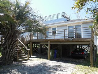 FiFi's Fabulous Folly - Near Washout with Great Views - Folly Beach vacation rentals