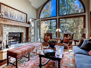 Lovely Studio with Elevator Access and Microwave - Beaver Creek vacation rentals