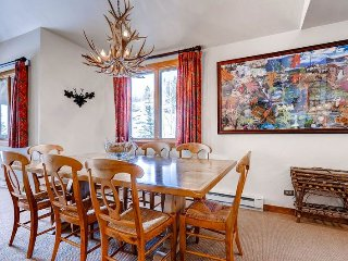 Charming Studio with Elevator Access and Microwave - Beaver Creek vacation rentals