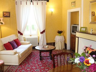 Bright Gite with Satellite Or Cable TV and Microwave in Aveyron - Aveyron vacation rentals
