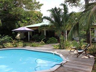 Villa de charme à 100 m de la plage - Remire-Montjoly vacation rentals
