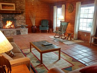Charming Ostrich Ranch Guest House - Dolan Springs vacation rentals