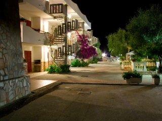 Bilocale per Famiglia con Piscina vicino al Mare  - Max 4 posti letto - Peschici vacation rentals