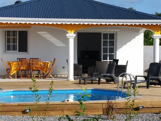 Villa neuve privée tout confort sécurisée - Capesterre-Belle-Eau vacation rentals