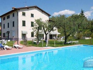 Apartment in Lake Garda : Garda / Bardolino Area Bardolino Residence - Studio - Bardolino vacation rentals