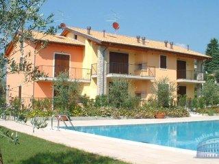 Apartment in Lake Garda : Garda / Bardolino Area Casa Lino Due - Calmasino vacation rentals