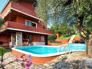 Villa in Lake Garda : Garda / Bardolino Area Villa Cesa - Calmasino vacation rentals