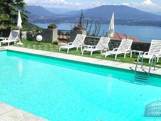 Villa in Lake Maggiore : Stresa / Lesa Area Villa Stresa Whole Villa - Stresa vacation rentals