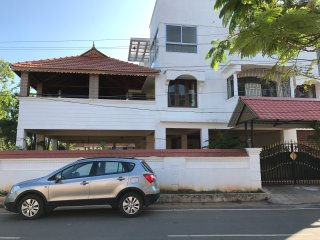 Beautiful House with A/C and Satellite Or Cable TV - Kanathur vacation rentals