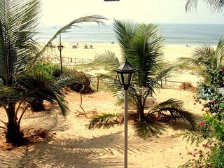 Chalet Balnear - Beach Villa overlooking the sea!! - Candolim vacation rentals