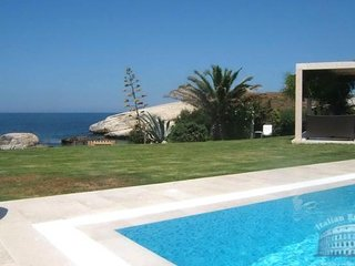 Villa in Sardinia : Oristano Area Villa Vincenzo - S'archittu vacation rentals