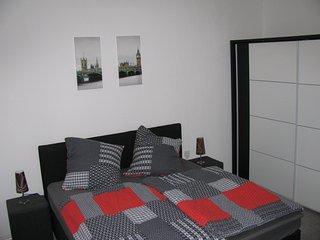 Moderne Ferienwohnung mit Terrasse - Oberhausen vacation rentals
