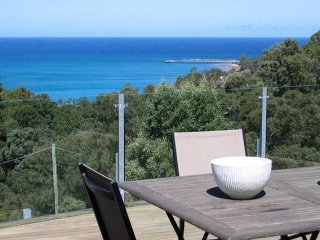 3 bedroom House with Deck in Lorne - Lorne vacation rentals