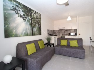 Gr8padz 2 bedroom Sea Glimpse apartment. Central Agia Napa - Ayia Napa vacation rentals