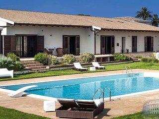 Villa in Sicily : Syracuse Area Villa Malia + Annex - Augusta vacation rentals