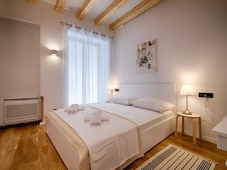 (2) 1 bdr 42m2 new top located suite furnished terrace mezzanin - Vis vacation rentals