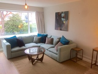 Luxury South Belfast Apartment - Belfast vacation rentals
