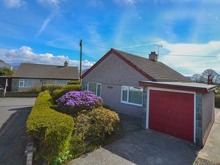 2 bedroom House with Parking in Brynsiencyn - Brynsiencyn vacation rentals