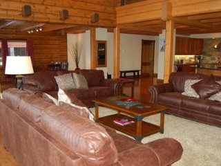 Beautiful House with Internet Access and Balcony - Golden East vacation rentals