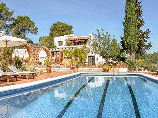 Wonderful 6 bedroom Villa in Santa Gertrudis - Santa Gertrudis vacation rentals
