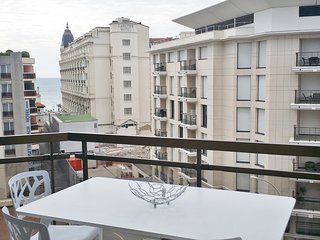 Luxury 2 beds / 2 baths with sea view 328 - Cannes vacation rentals