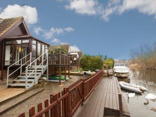 2 bedroom Lodge with Deck in Isleham - Isleham vacation rentals