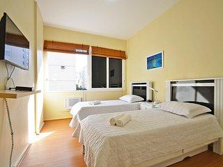 Apartamento 3 quartos a duas quadras da Praia - Rio de Janeiro vacation rentals