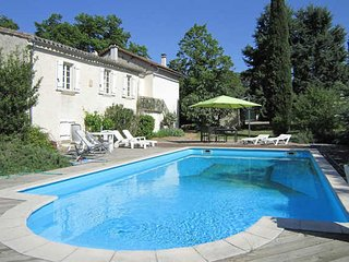 Aude holiday home near Carcassonne, South France, with private pool sleeps 6 - Verzeille vacation rentals