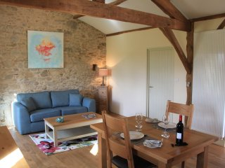 A cosy 1st floor, tastefully appointed gite with lovely rural views - Oradour-sur-Vayres vacation rentals