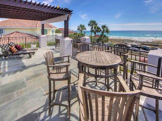 ⭐️Cake By The Ocean: GULF VIEW LUXURY HOME DIRECTLY ACROSS FROM BEACH With POOL! - Miramar Beach vacation rentals