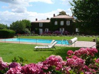 Chambres d'hôtes avec piscine - Nantes vacation rentals