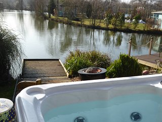 Lily Lake Yurt with private hot tub and free fishing over looking Lily Lake - Hatfield Peverel vacation rentals