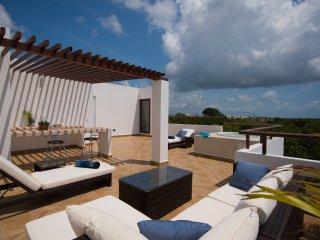 CP2 Amazing Penthouse with Ocean View from Rooftop - Akumal vacation rentals