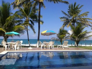 Beira-mar, 5 suítes, com piscina grande, em Muro Alto - Porto de Galinhas vacation rentals