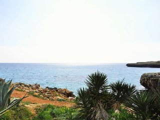Modern house in Cala Morlanda, ideal for 5 people - S'illot vacation rentals
