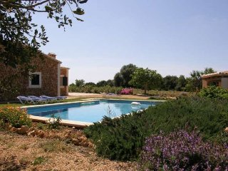 Rustic country house in middle of nature, 2 km to the beach, in Porto Cristo - Cala Mandia vacation rentals