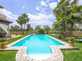 Majestic villa rustica with large pool and 15 000m2 of land - Llucmajor vacation rentals