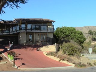 Elevator ... panoramic views ... steps to the breaking surf!!! - Cayucos vacation rentals