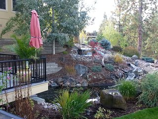 Serenity with a view. Beautiful spacious home, huge outdoor decks, gym, hot tub - Spokane vacation rentals