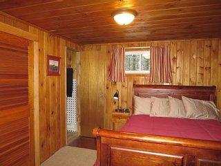Cozy 2 bedroom Chalet in Jay - Jay vacation rentals