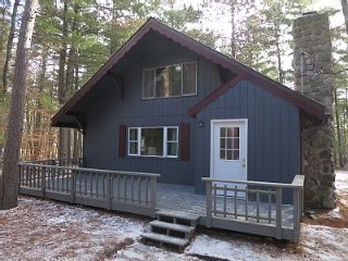 Cozy 2 bedroom Chalet in Jay - Jay vacation rentals