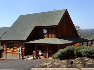 2 bedroom Cabin with Internet Access in Sevierville - Sevierville vacation rentals