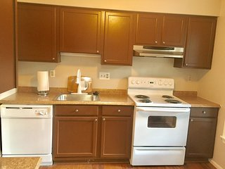 Cozy 4 Bedroom Townhouse With Lots of Space - Montgomery Village vacation rentals