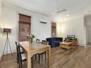 No.4 (Four) Doncaster House - Randwick vacation rentals